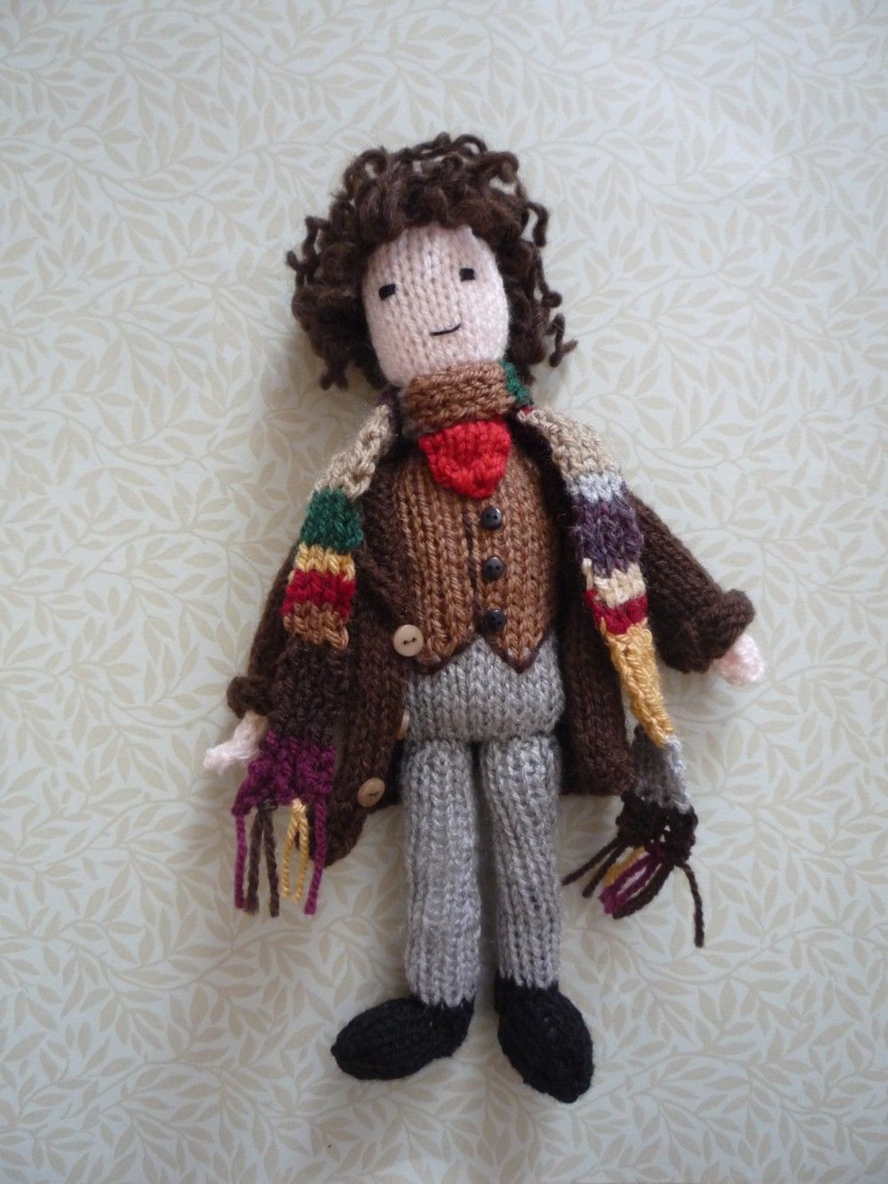 Tom Baker Scarf and tardis | Here\'s my new Doctor Who doll! Tom ...