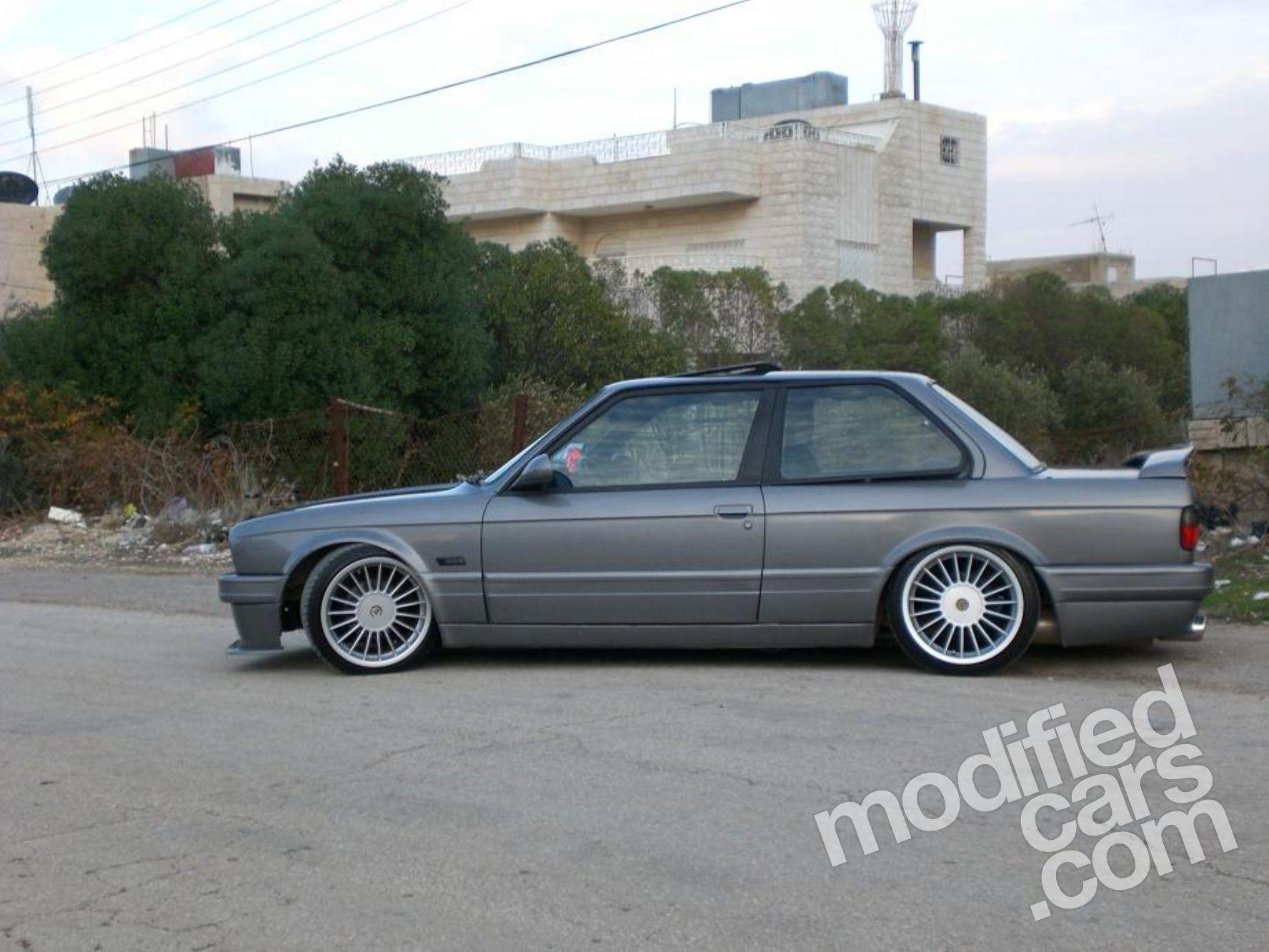 Modded Bmw E30 320i Hails From Jordan Photo Gallery 9 Jpg 1 776