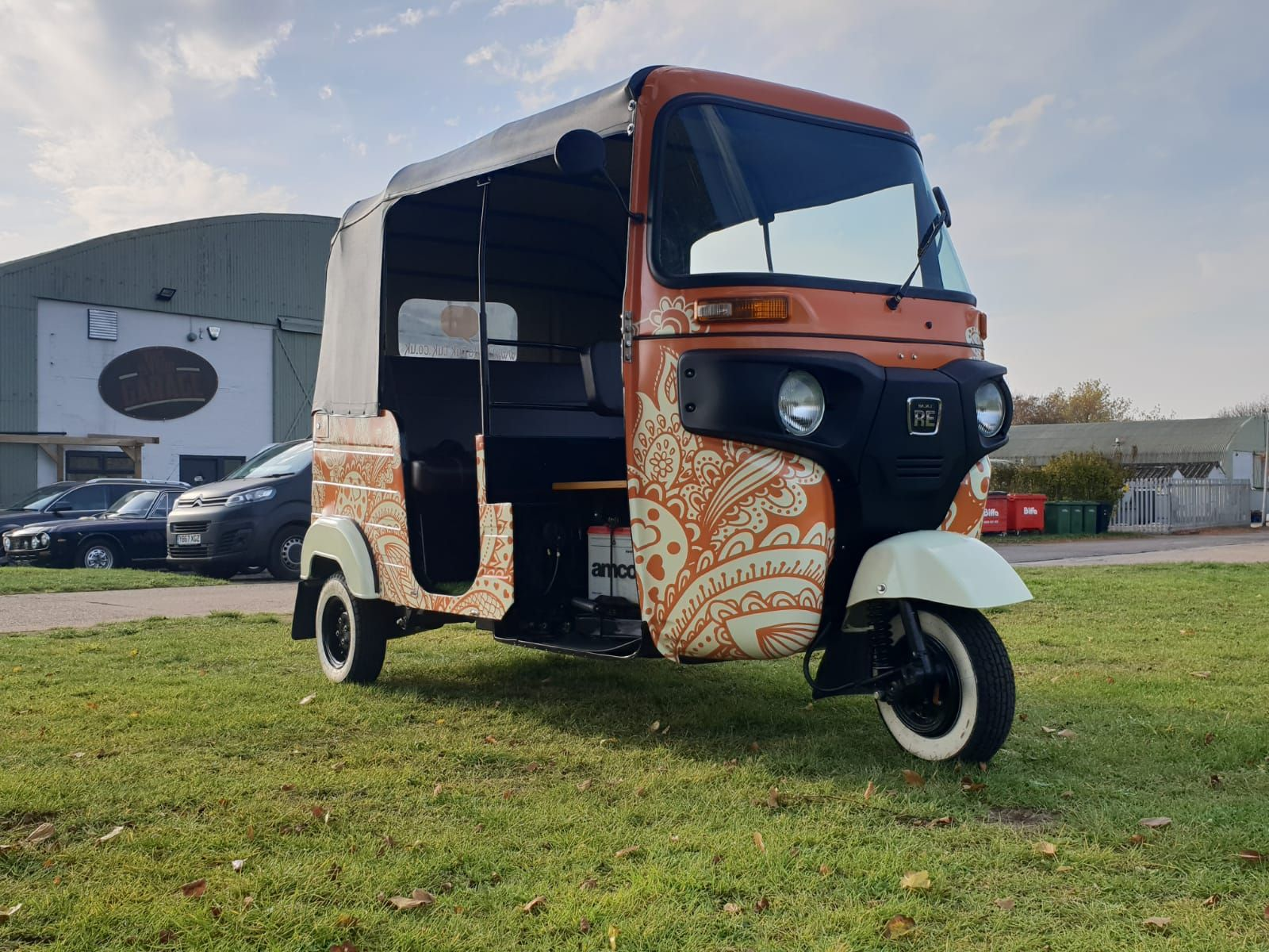 Vinyl Van Wrapping in 2020 Custom vinyl, Car wrap, Van wrap