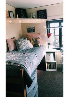 stylish dorm room ideas  decor essentials modern color schemes vintage decorations and colors also rh pinterest