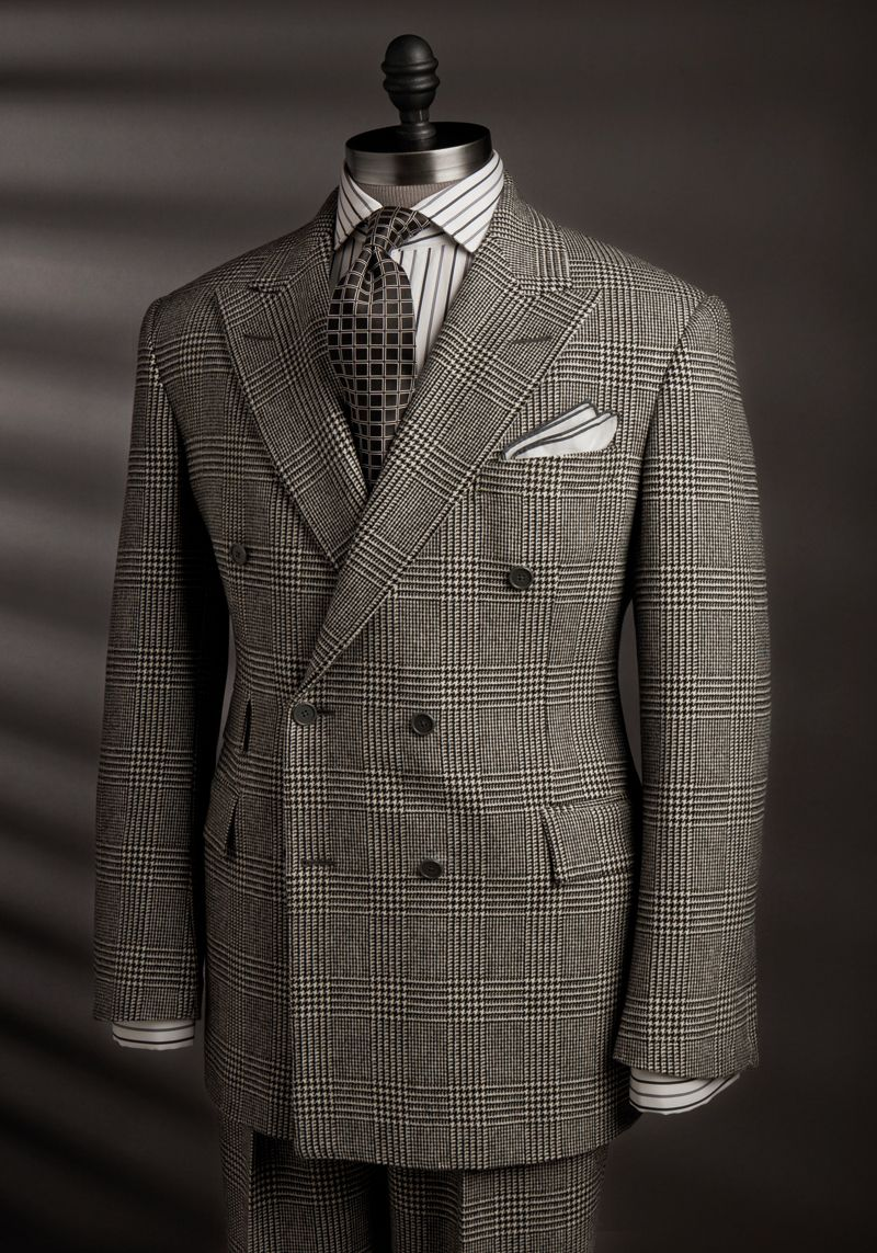 Fine suit and fine example of pattern mixing. http://www ...