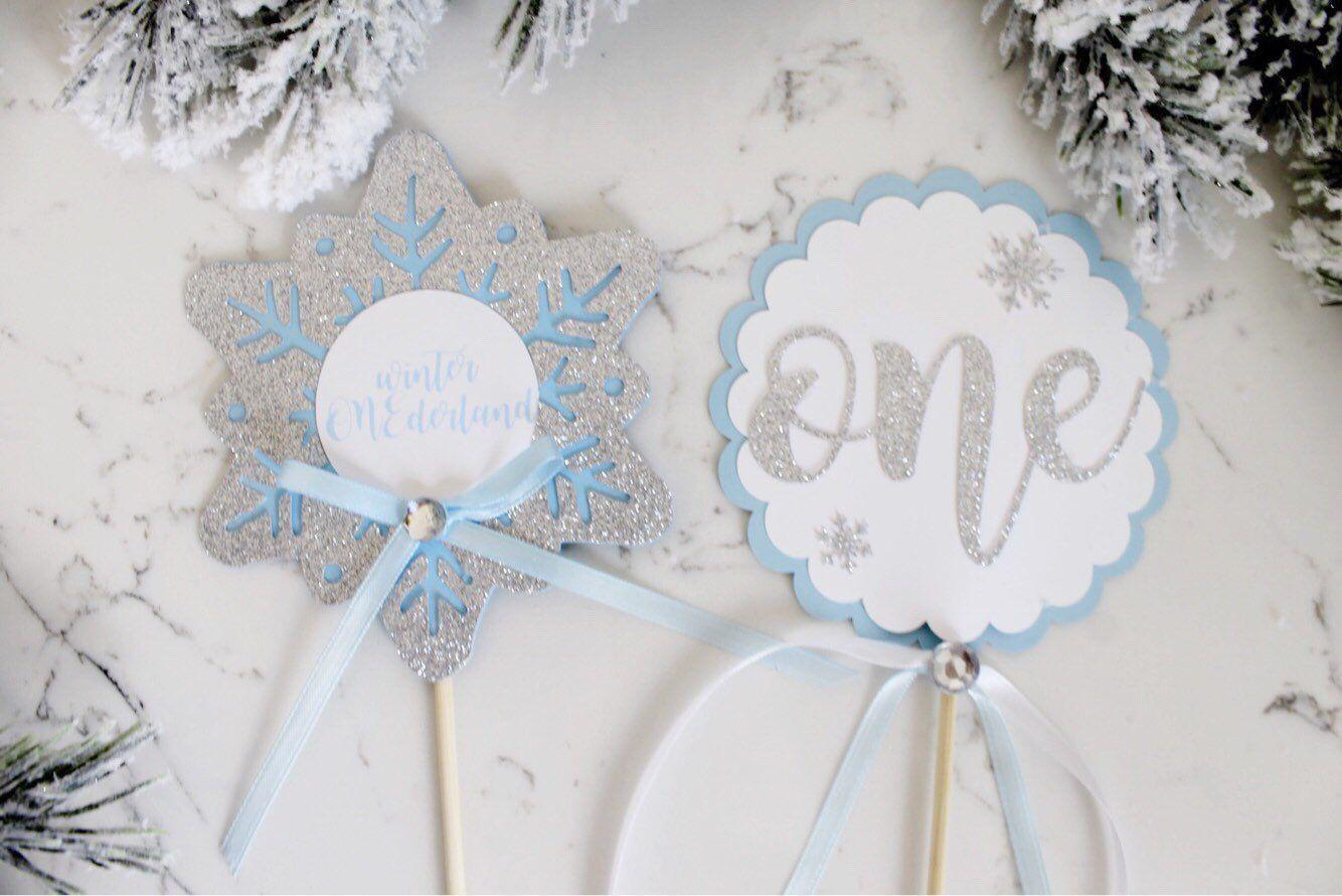Winter Onederland,Snowflake Centerpieces, Winter onederland first birthday, winter onederland centerpieces, winter onederland decorations