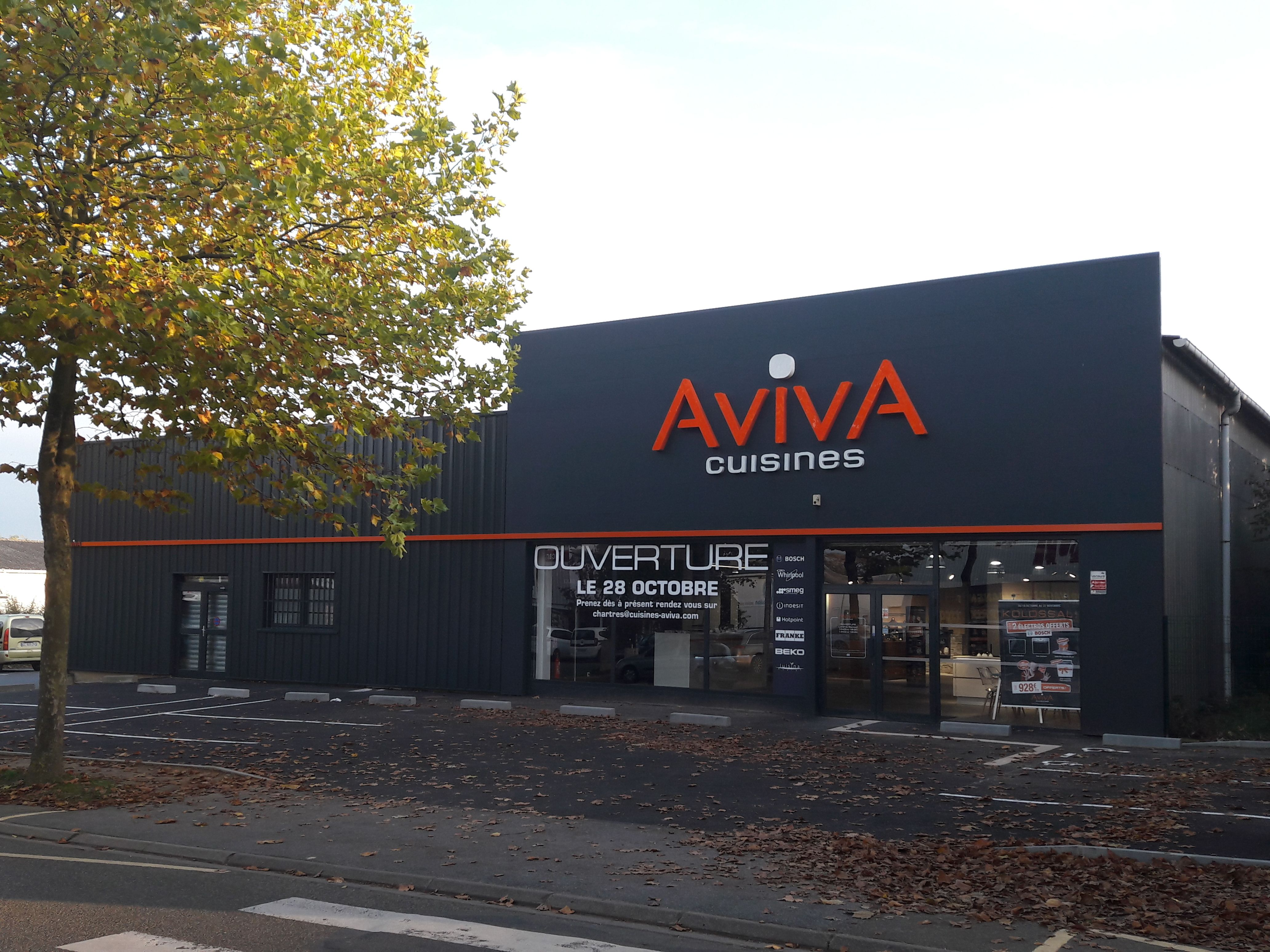 beautiful nos magasins de cuisine la rochelle cuisine aviva magasin et cuisines with aviva saint. Black Bedroom Furniture Sets. Home Design Ideas