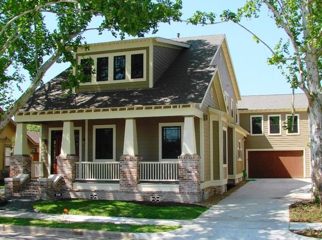 How To Identify A Craftsman Style Home The History Types And Features Craftsman Bungalow Exterior Craftsman Style Bungalow Craftsman House