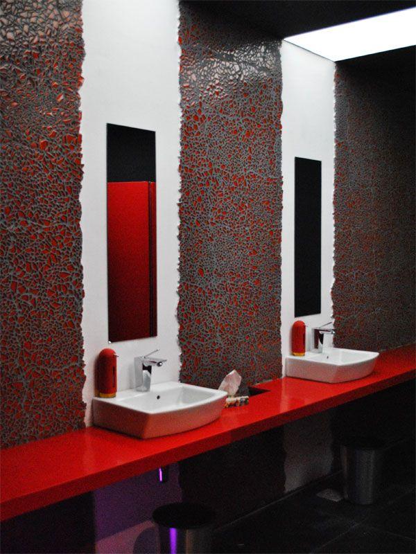 Ba os p blicos en casa cor punta del este 2012 foto de for Banos decoracion accesorios