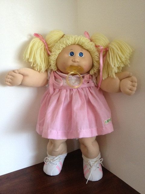 Vintage 1980s Cabbage Patch Doll With Paci By Animationtees 79 99 Vintage Cabbage Patch Dolls Cabbage Patch Dolls Cabbage Patch Kids