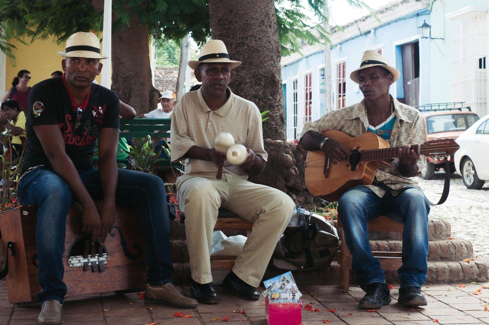 Trinidad - Cuba  http://www.laflorinata.com/2016/09/diario-de-viaje-cuba-cienfuegos.html#more
