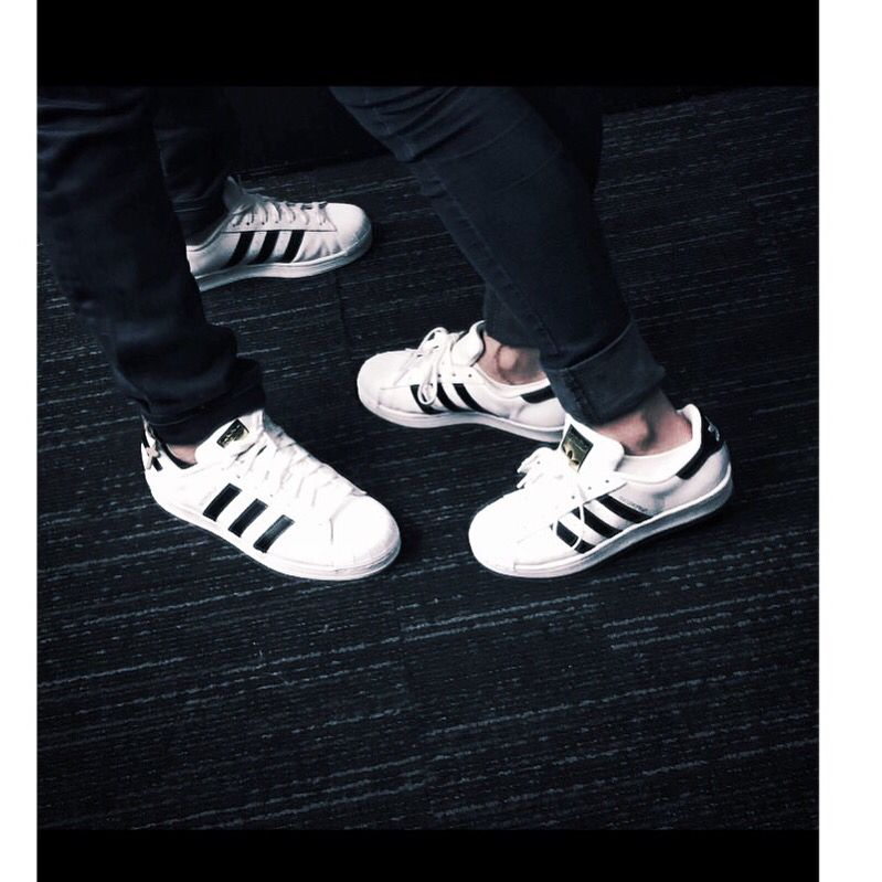 5ccc4ef6c7e48 Adidas originals superstar  couple  realtionshipgoals