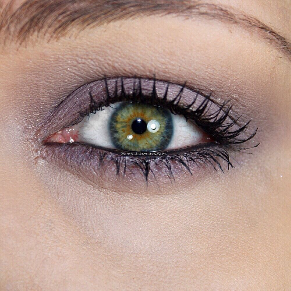 mac paintpot in stormy pink with green eyes. want it. need a