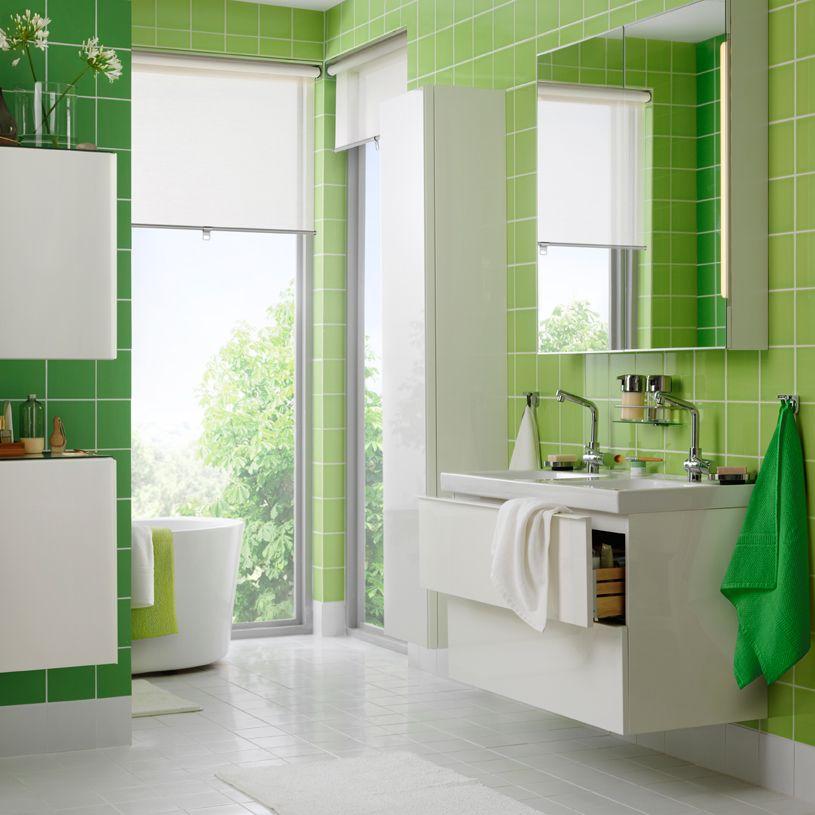 bring farbe in dein leben hier ein badezimmer in gr n und wei mit godmorgon waschbecken. Black Bedroom Furniture Sets. Home Design Ideas