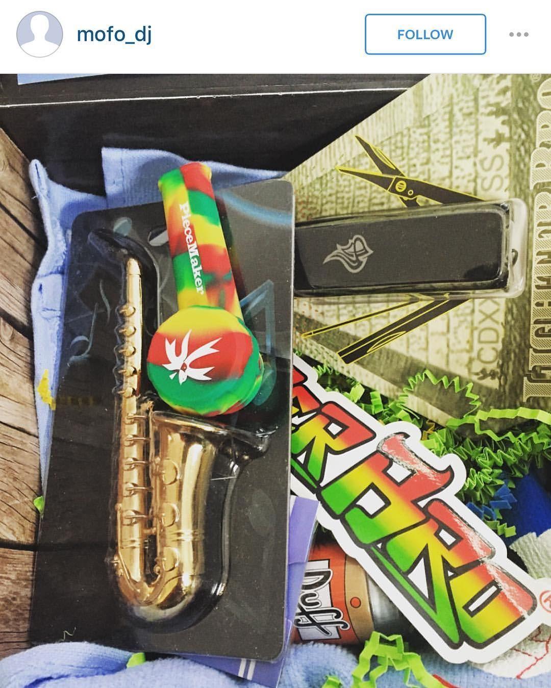 @mofo_dj and our #rasta #karma Blaze YOUR own trail. #piecemakergear.com#piecemaker #BlazeYourOwnTrail #byot #backpacker #cannabiscup #outdoorretailer #discgolf #rei #golf #budtender #surfing #outdoorgear #hammocklife #fishingtrip #comiccon #skibum #gamer #tattooartist #amazingink #dirtbag #campingtrip #stonersloth #travelgear #adventureanywhere #everydaycarry #skater #マリファナ