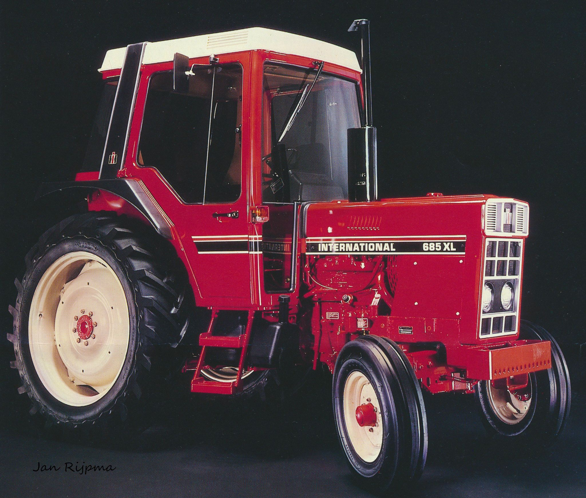 International 685xl Tractors Farm Machinery International