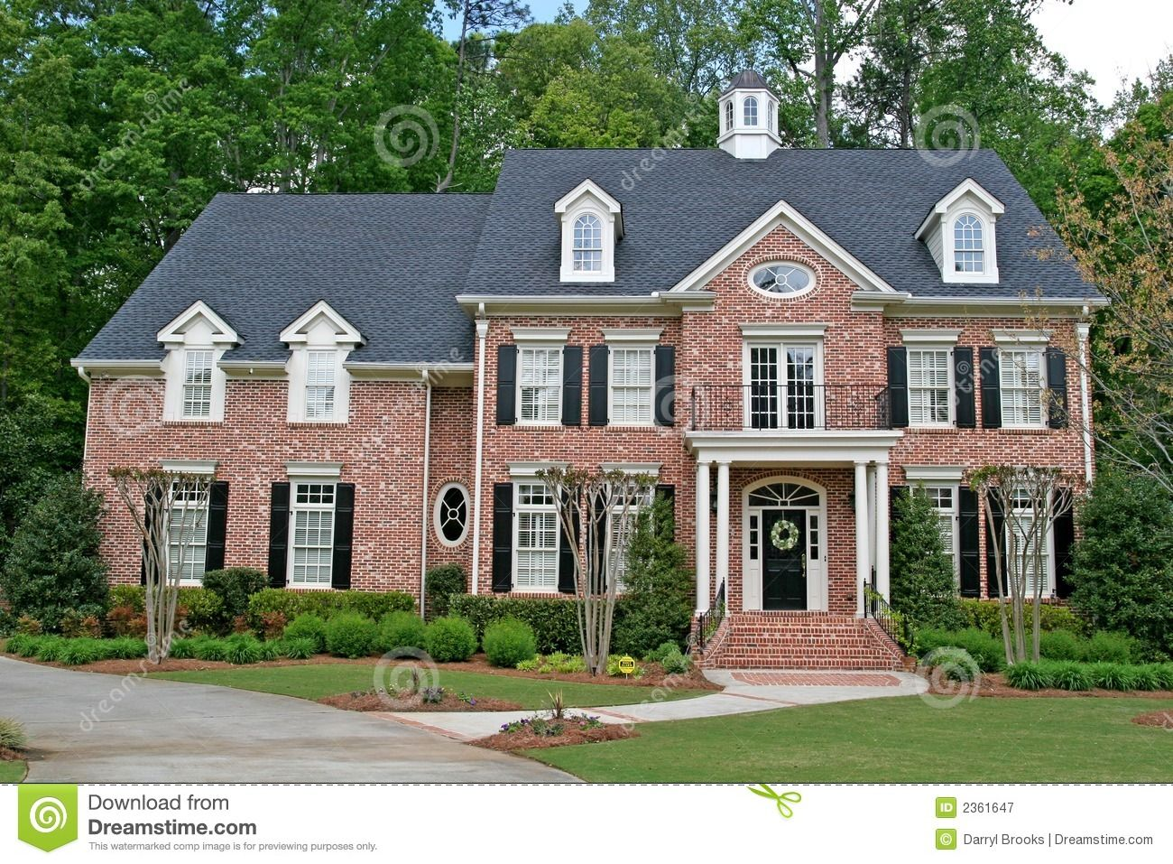 two story brick home small brick colonial home 2 story. Black Bedroom Furniture Sets. Home Design Ideas