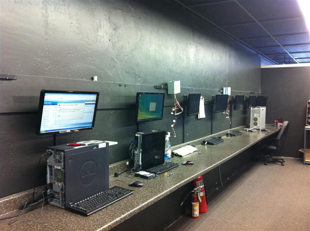 Index Php 1028 768 Computer Repair Workbench Computer Repair Shop Room Renovation