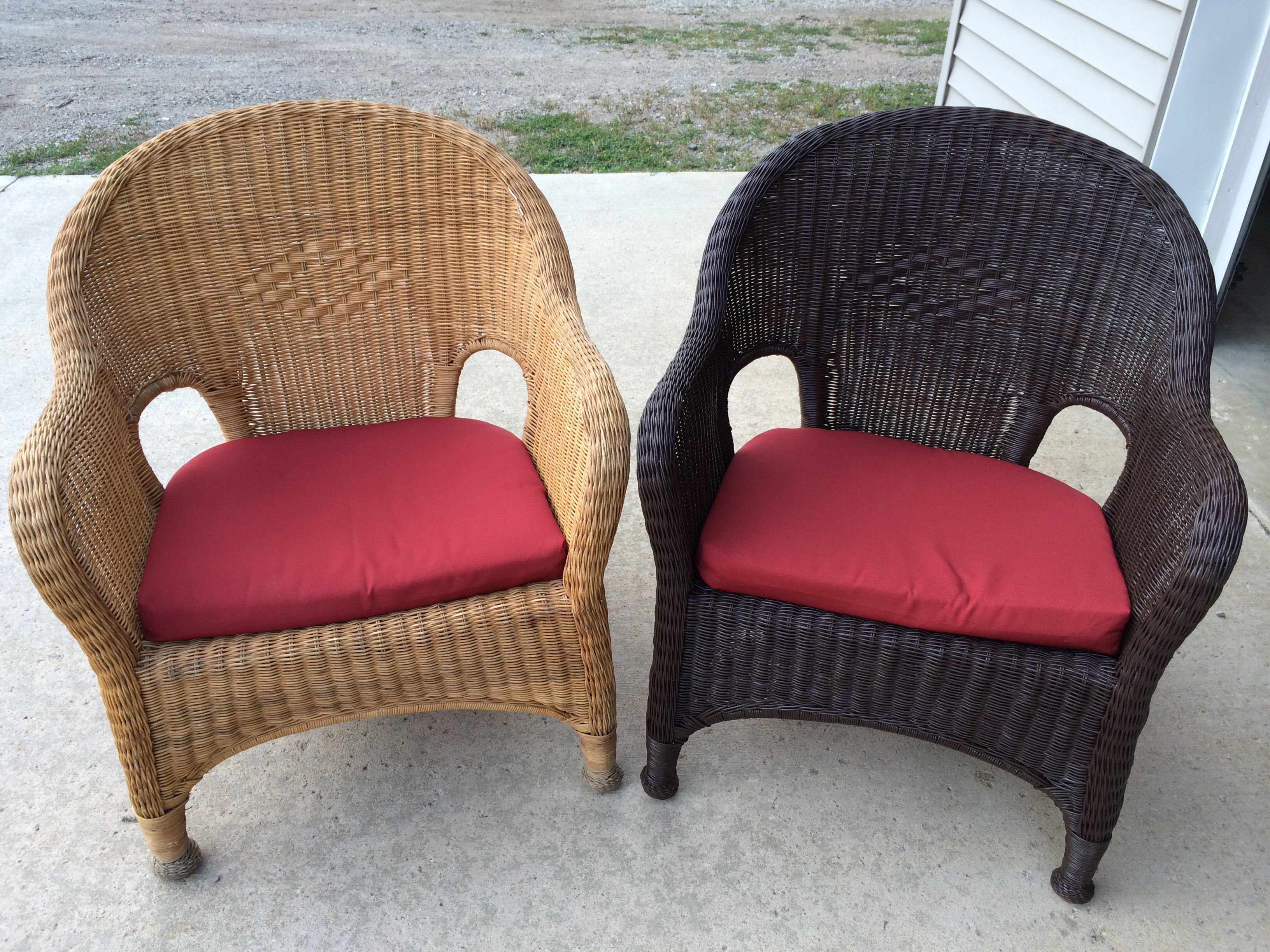 Spray painting wicker patio furniture Before and after picture