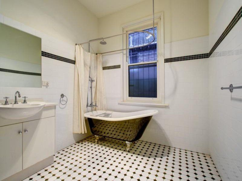 salle de bain r tro carrelage meubles et d co en 55 photos small bathroom inspiration. Black Bedroom Furniture Sets. Home Design Ideas