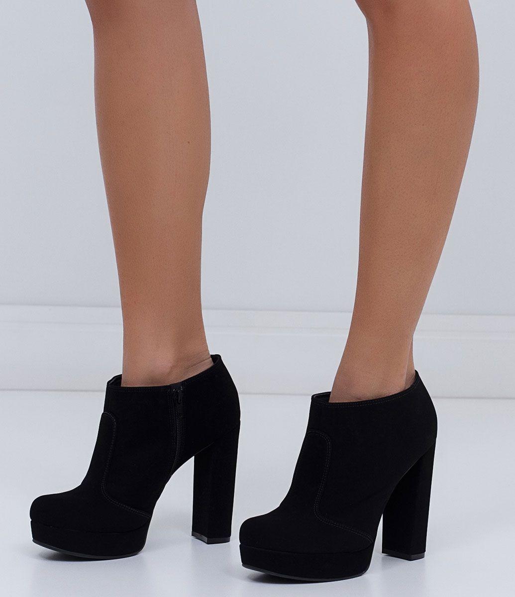 f6b44ba6b Bota feminina Modelo ankle boot Fechamento lateral com zíper Marca  Satinato  Material  suede COLEÇÃO INVERNO 2016 Veja outras opções de botas femininas.