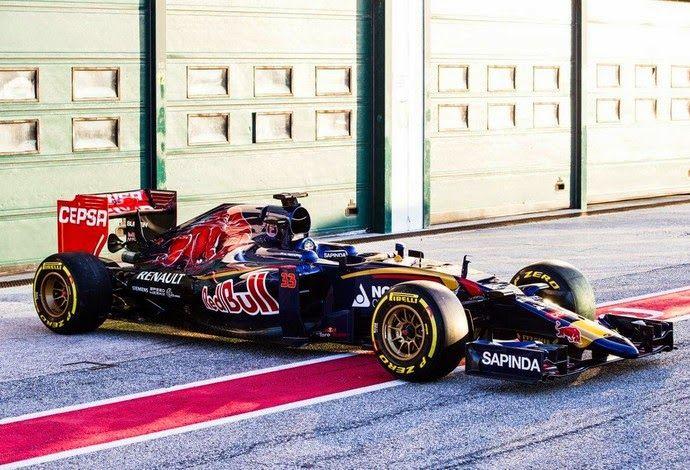 Blog Esportivo do Suíço: Toro Rosso apresenta carro que será usado na temporada de 2015