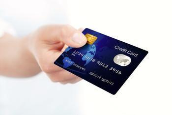 Credit Card Delinquencies And Debt Near Two Decade Lows Credit Card Help Mobile Credit Card Virtual Credit Card