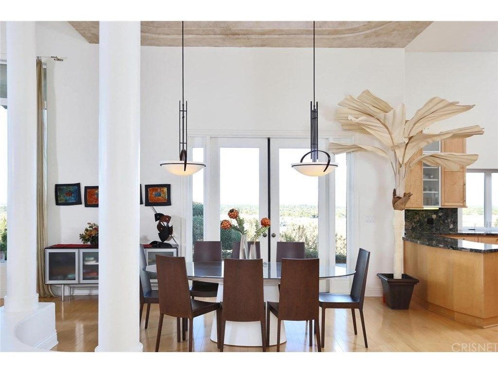 Open Great Room Layout With 14Ft Ceilings Pillars & Wetbar Glamorous Dining Room Layout Review