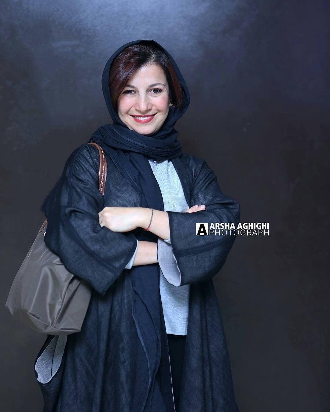 لیلی رشیدی Leili Rashidi Persian Girls Women Nun Dress