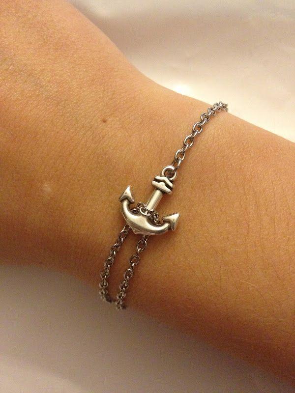 Quick, easy DIY anchor bracelet. So cute.