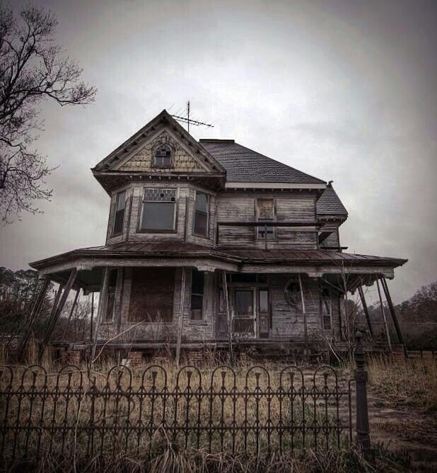 Creepy Abandoned Places In Denver: 6 Eerily Beautiful Abandoned Funeral Homes & Morgues