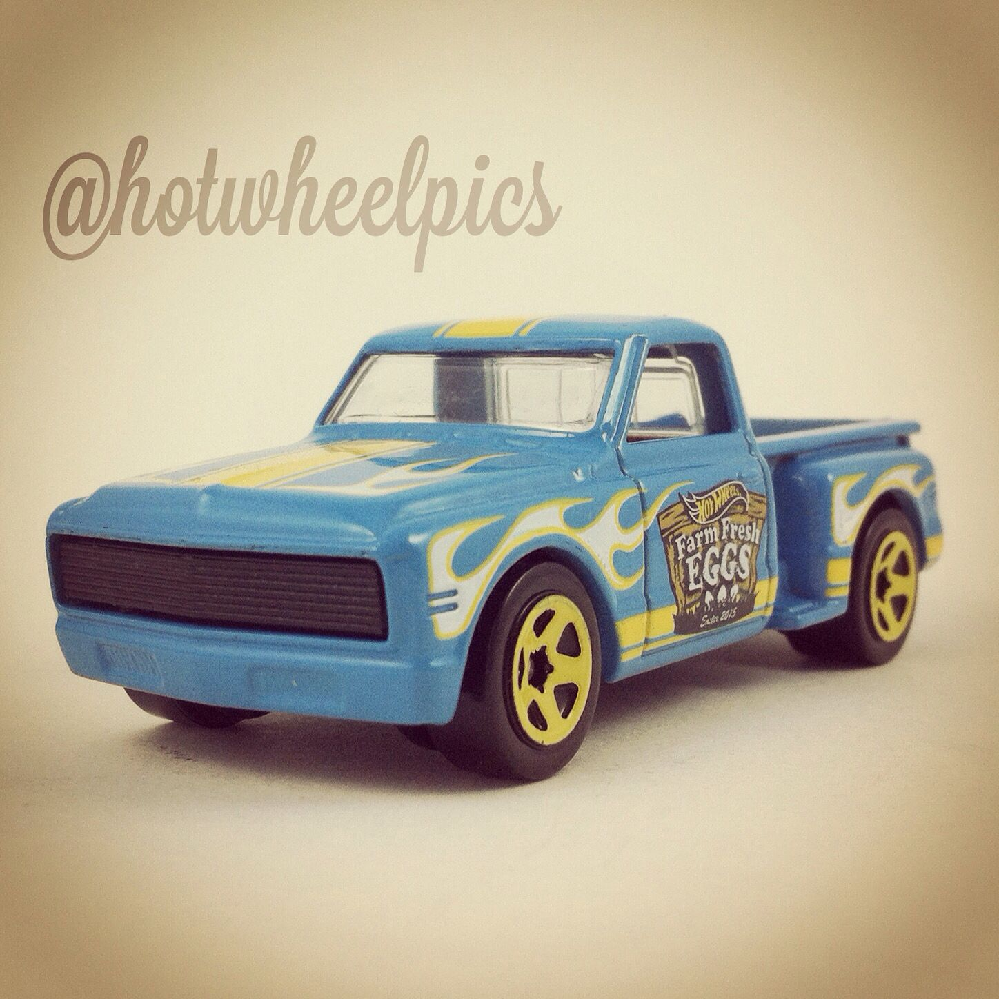 Happy Easter Deora Ii 2015 Hot Wheels Easter Cars Walmart Excl Hotwheels Toys Diecast Easter Hot Wheels Hot Wheels Cars Matchbox Cars