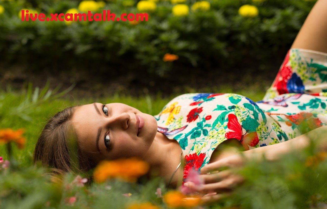 New Baby Cam in 2020 Beauty images, Grass field, Grass