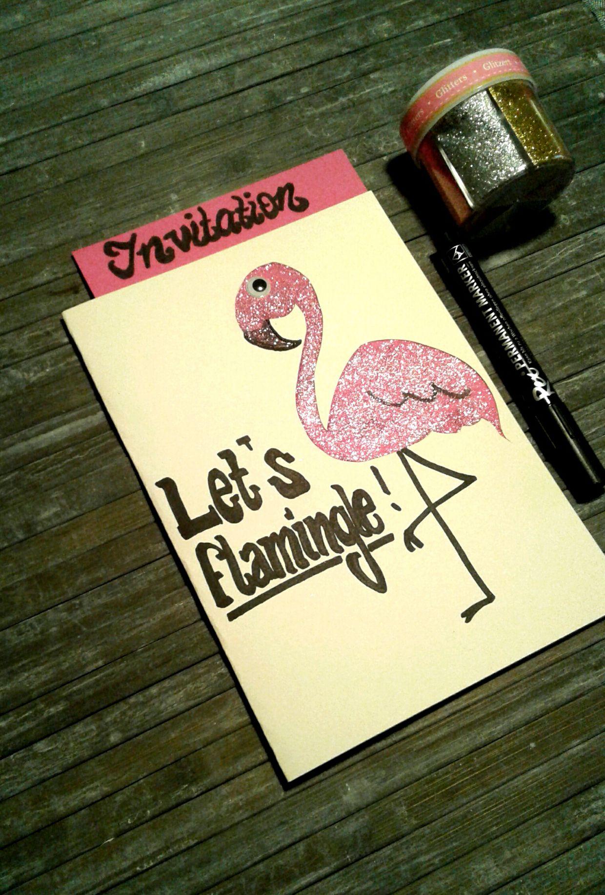 diy glitzernde flamingo einladungskarte. Black Bedroom Furniture Sets. Home Design Ideas