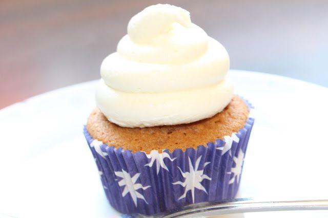 Cupcake Jemma's Vanilla Cupcakes and Vanilla Buttercream ...