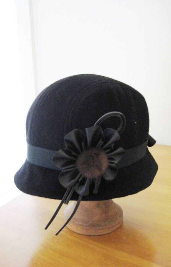 - Cloche hat sewing pattern medium size - black cloche  http://mchats.soopsee.net/etsy/58139931/cloche-hat-sewing-pattern-medium-size-black-cloche.html/