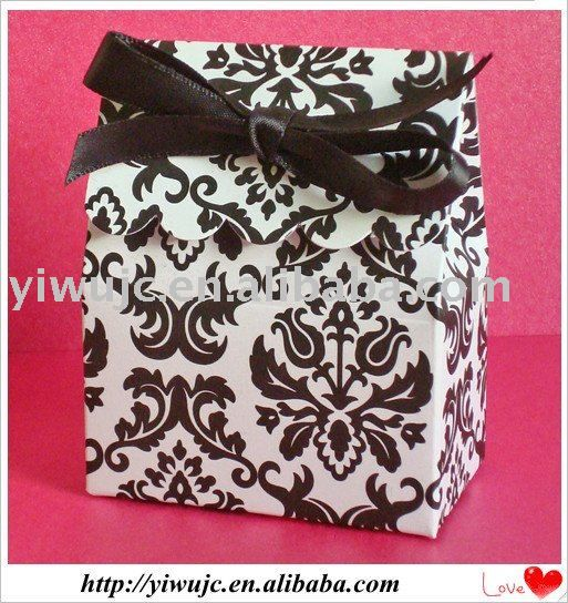 Google Image Result for http://img.alibaba.com/wsphoto/v0/436716981/2011-Hot-Damask-Wedding-Candy-Box-Bag-JCO-498-.jpg