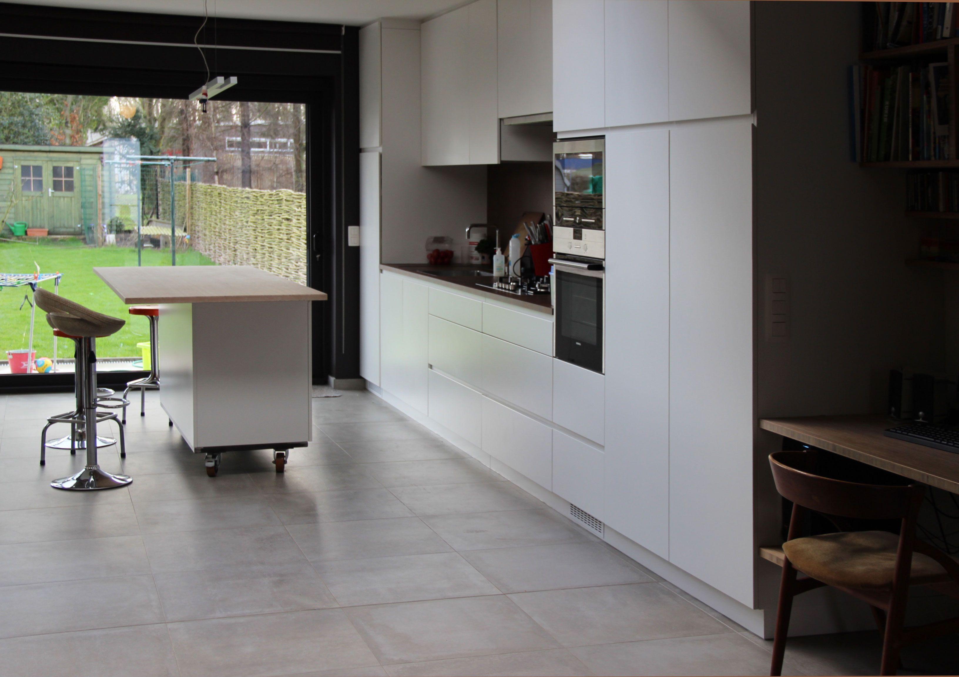 Keukenblok op wieltjes wandmeubel van keuken tot terras living