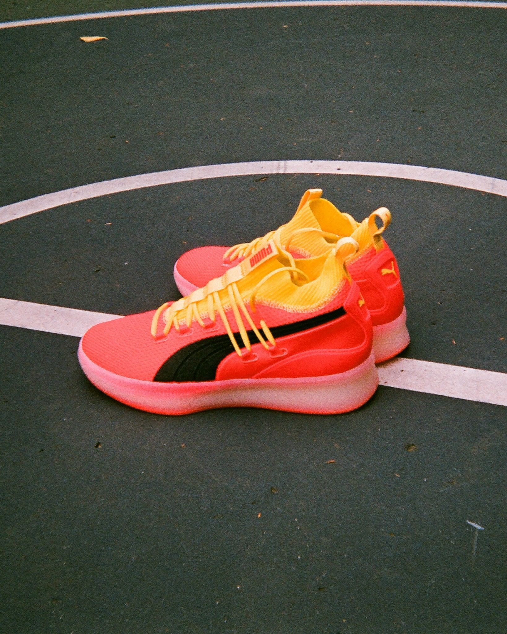 clyde court disrupt on feet
