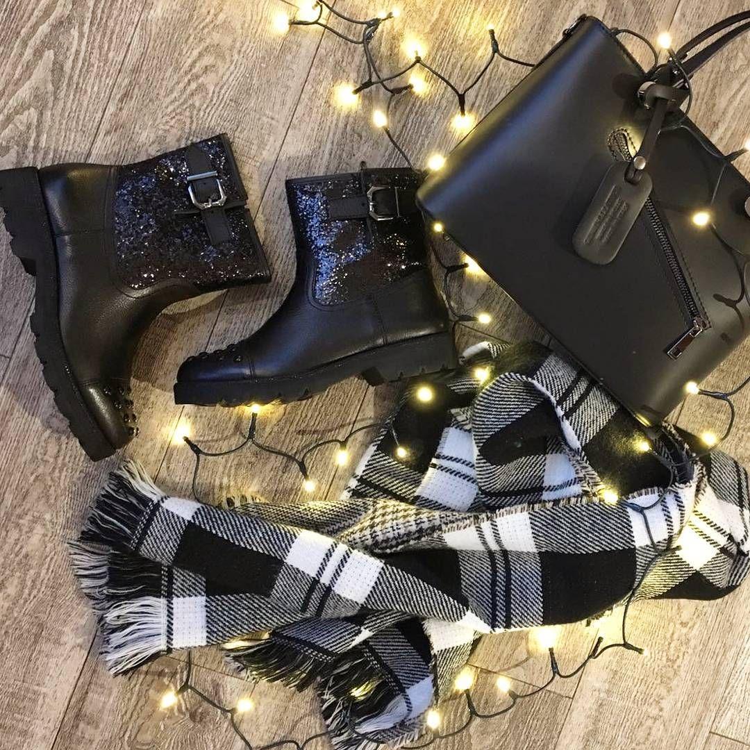 Tamaris Brokat Black Blackbag Christmastime Botky Lights Christmaslights Weloveshoes Alebuty Shoes Ankle Boot Tamaris