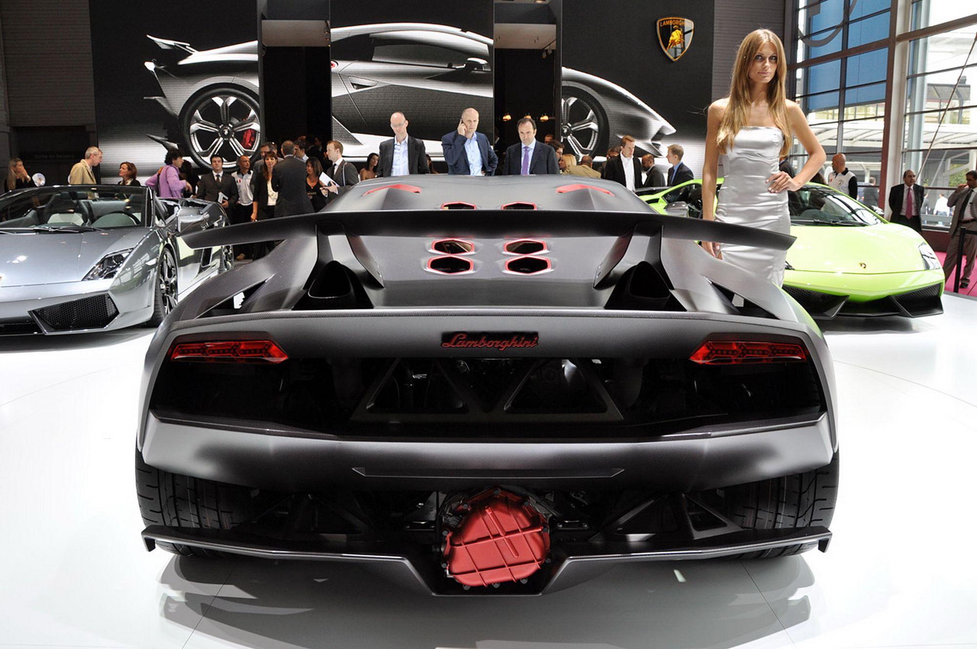 Lamborghini Sesto Elemento specs