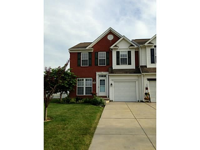 Mj Peterson Real Estate 81 Carla Ln West Seneca Ny Enjoy Townhouse Living With No Hoa Fees First Floor Boasts Open Townhouse Finding A House Bay Window