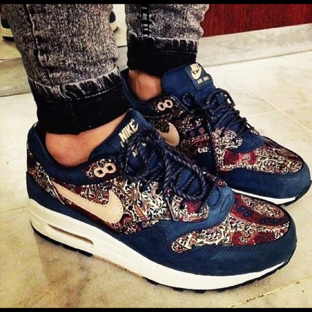 The Huntmust 1 have OF on NIKE AIR LIBERTY LONDON MAX HEW2DIY9