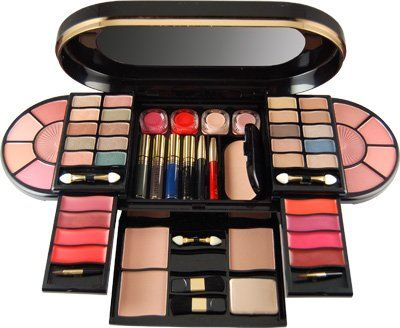 4 Must Haves Items In Portable Makeup Kits Beauty Ramp Beauty Fashion Guide By Dr Prem Skin Body Style Makeup Makeup Kit Bridal Makeup Models Makeup