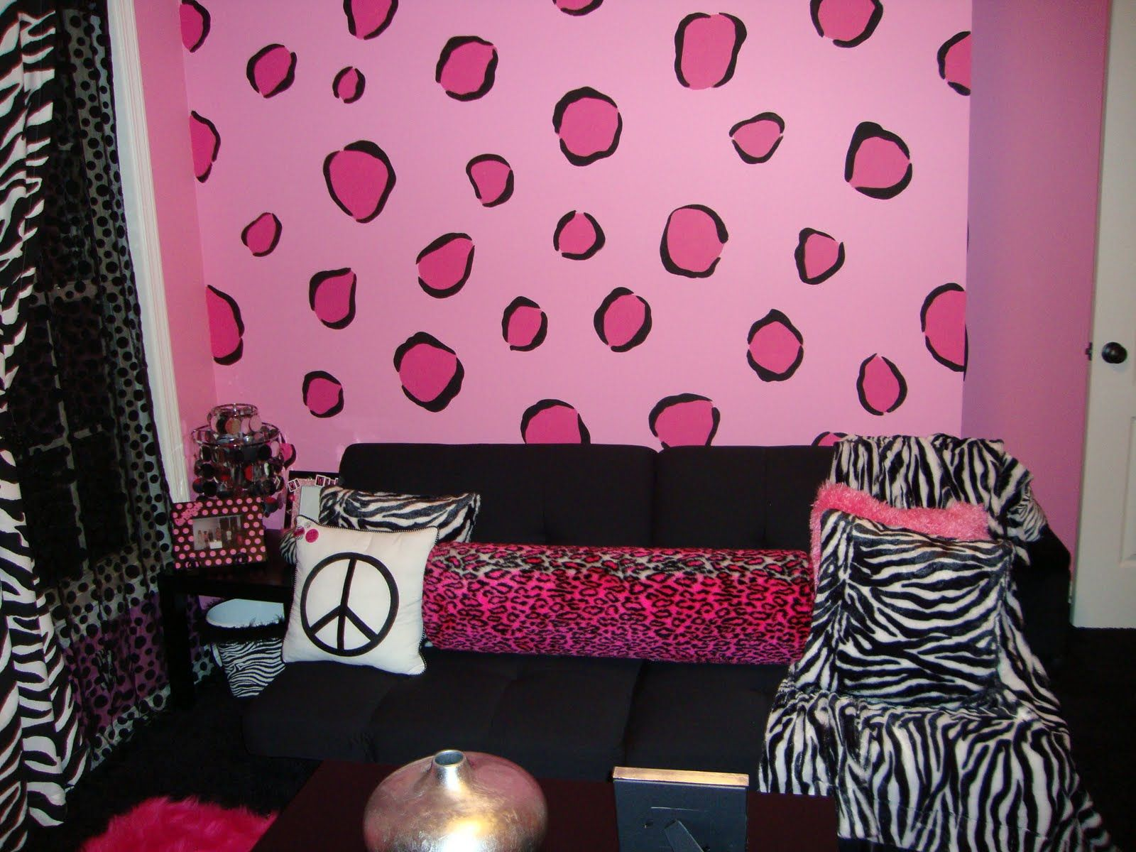 Girl Bedroom Designs Zebra fashionable teen hangout lounge | pink zebra, room and wall paint