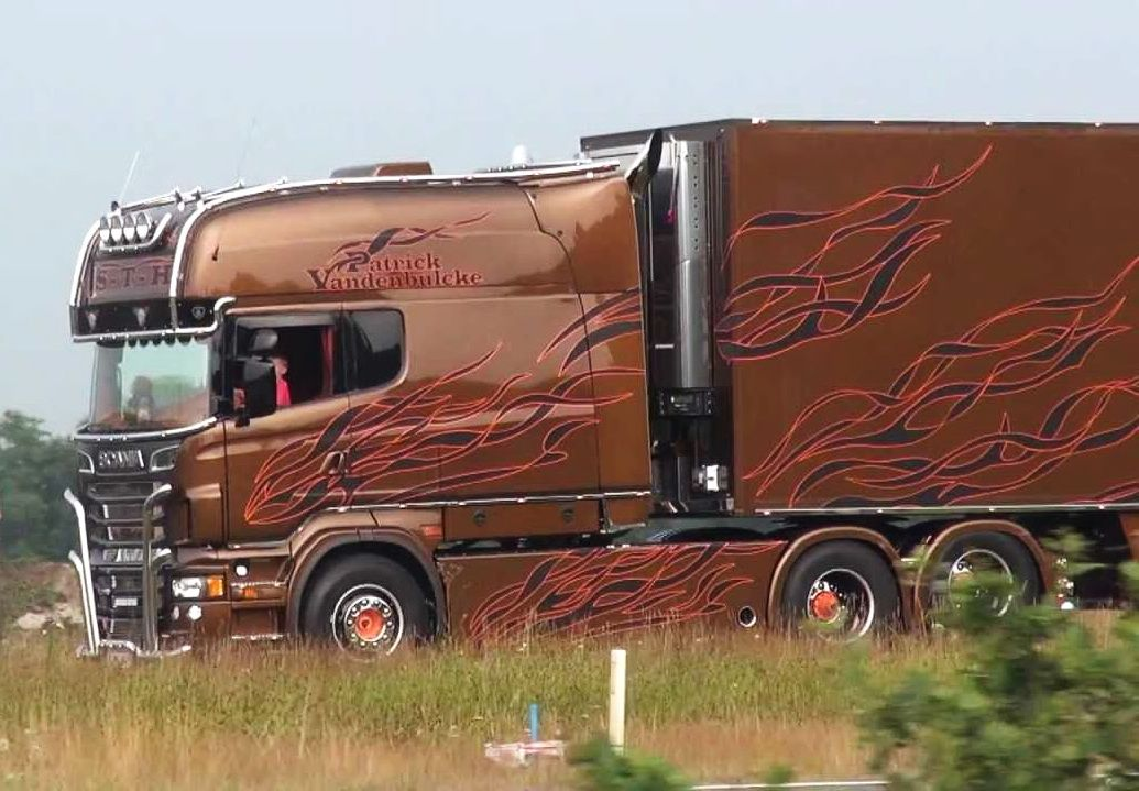про красивые грузовики со спальником фото того, изображение может