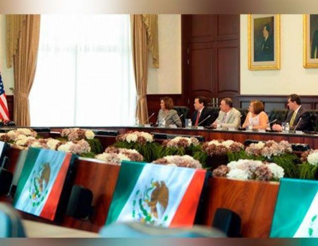La Presidencia de la República detalló en un comunicado que el jefe del Ejecutivo y los miembros de la Cámara de Representantes de los Estados Unidos dialogaron además sobre el proceso de reformas y la evolución institucional que se ha vivido en México en los últimos 20 años.