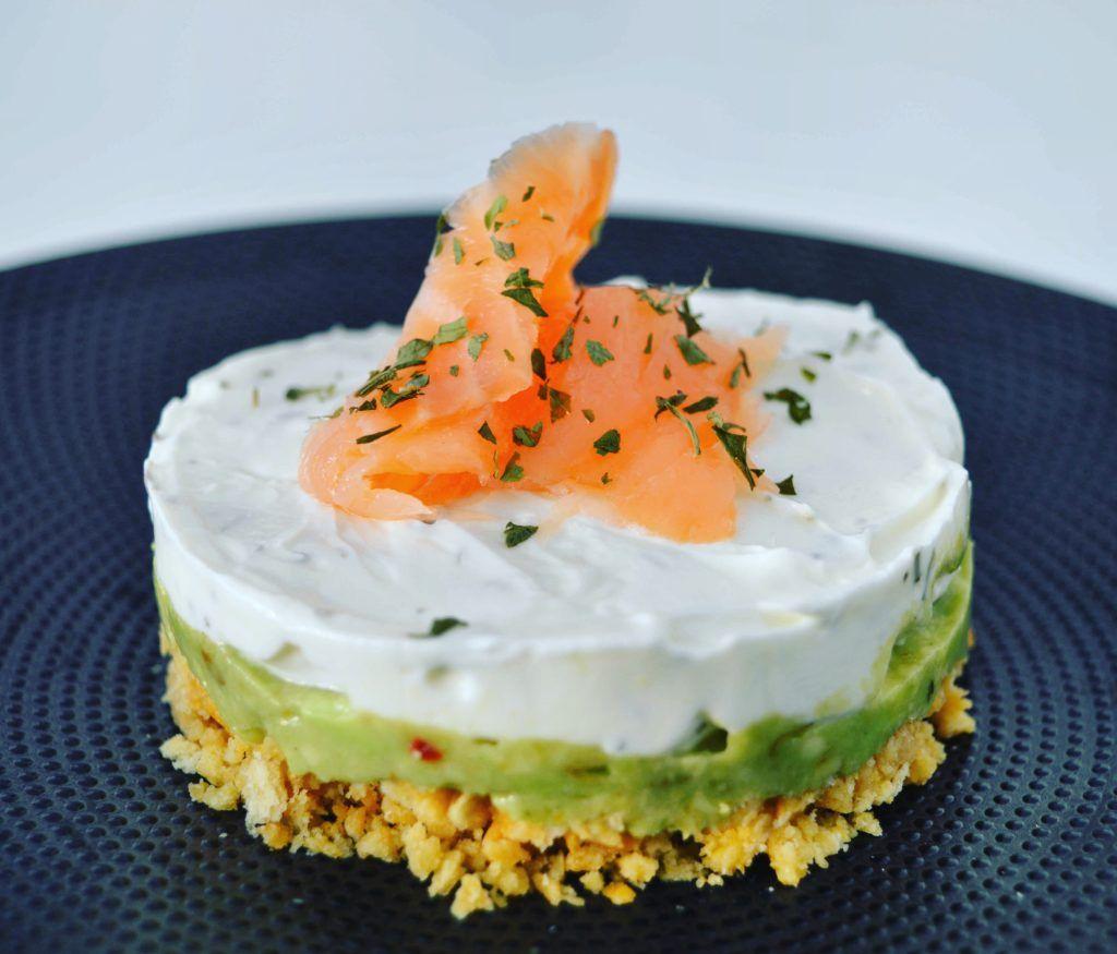 Cheese-cake salé, avocat & saumon fumé | Saumon et fromage ...