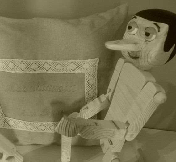 Pinocchio originale 100% MADE IN ITALY di MacchiavelliArtLegno