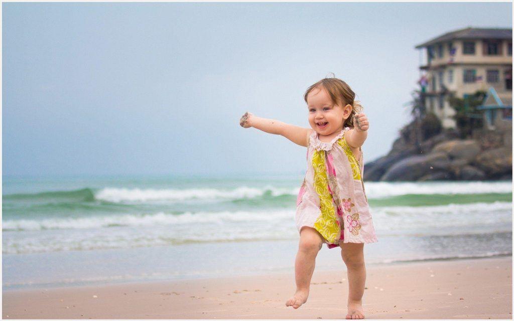 Girl Baby Smile Cute Wallpaper Cute Baby Girl Smile Hd Wallpapers