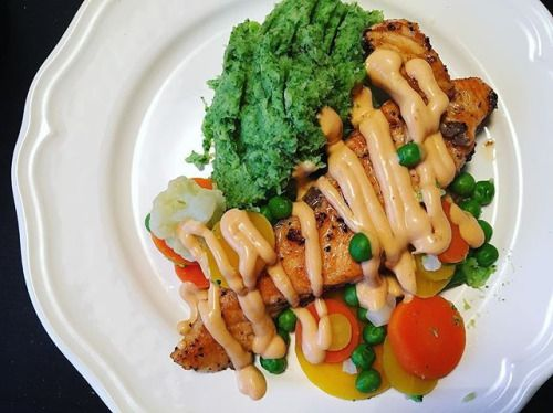 Lax m. broccolimosv& chilimayo  #viktresa#viktnedgång#lchf#lchftjejer#lchfkostfunkar#lchfsomlivsstil#låghydratskost#hälsa#instafood#foodstagram#healthyfood - Inspirational and Motivational Ketogenic Diet Pins - Eat Keto Get Into Nutritional Ketosis - Discover LCHF to Prevent Diseases - Enjoy Low-Carb High-Fat Lifestyle For Better Health