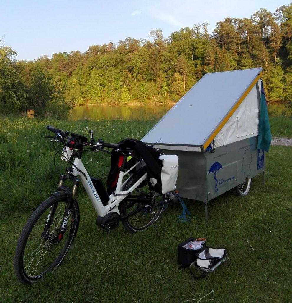 bernachtung hochtengen wohn fahrrad fahrrad wohnwagen. Black Bedroom Furniture Sets. Home Design Ideas
