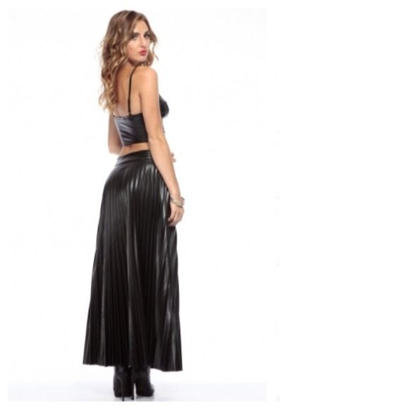 Pleated Faux Black Leather Maxi Skirt NWT | Dress skirt, Leather ...