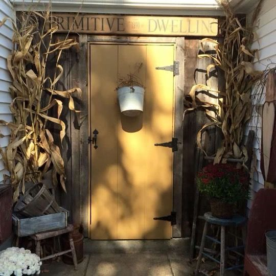 Pin by Shauna Cupp on ***Primitive Harvest*** Pinterest - halloween house decorating ideas